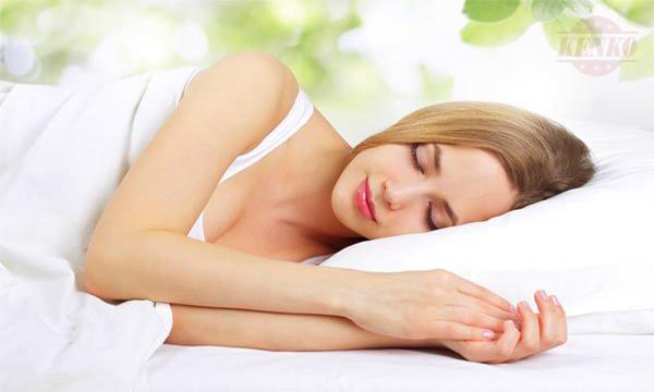 Tinh dầu trầm hương giúp cải thiện giấc ngủ